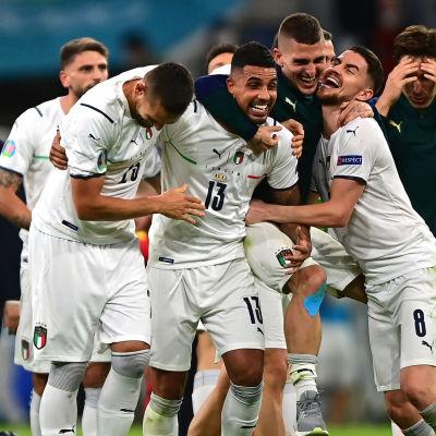 Italien firar i EM.