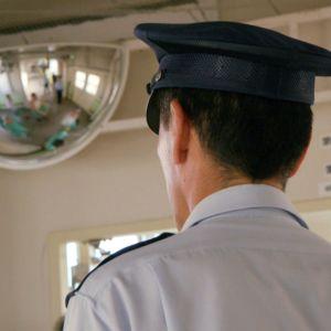 Japanilainen yhteiskunta perustuu tiukkoihin sääntöihin, joita noudatetaan kuuliaisesti.