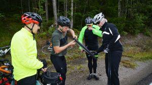 Cykelpunktering under Tour de Östnyland 2017.