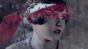 naisen katse, vanhaa arkistokuvaa ja elokuvaa päällekkäin kuvattuna