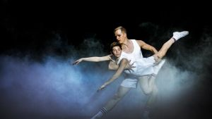 Kalle Lorenz som Billy Elliot och Miika Alatupa.