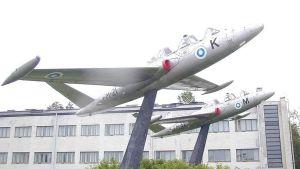 Flygstridsskolan i Kauhava har bytt ägare.
