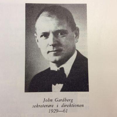 Gammalt fotografi på John Gardberg.