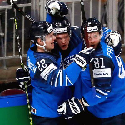 Arttu Ruotsalainen, Anton Lundell ja Iiro Pakarinen jahtaavat ensimmäistä MM-kultaansa.
