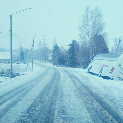 Buss i diket i Malax. Dåligt väglag på grund av snöslask.