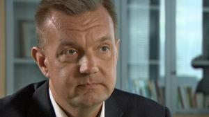 Juha Jolkkonen är avdelningschef vid Helsingfors social- och hälsovårdsverk.