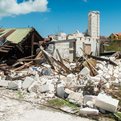 Förstörelse efter orkanen Irma på ögruppenTurks and Caicos som bereder sig på orkanen Maria.