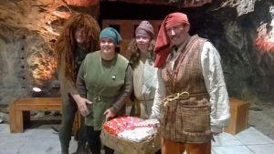 Vaahterateatteri visar en julföreställning i Tytyri gruva i Lojo.