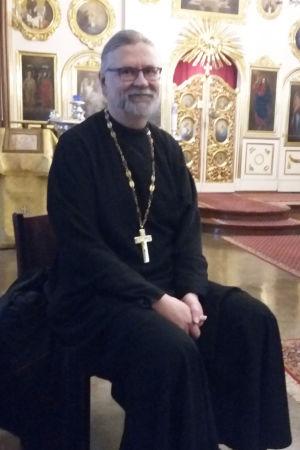 Kirkkoherra Timo Tynkkynen Pokrovan kirkossa