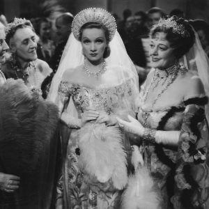 Intohimojen keisarinna, ohjaus Josef von Sternberg.