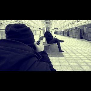 Tekijänä-sarjan kuvaukset Vuosaaren metroasemalla