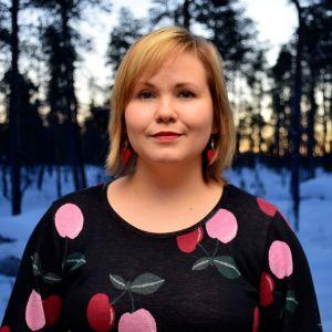 Kolttasaamelainen muusikko Anna Lumikivi