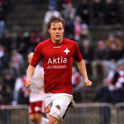 Tuomas Mustonen HIFK:n paidassa.