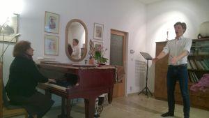 laulaja laulutunnilla