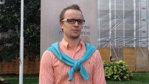 Filip Björklöf studerar företagsledning och organisation vid Hanken i Helsingfors