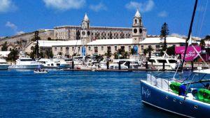 Hasse Eriksson från Vasa ska segla över Atlanten. Men först hänger han på Bermuda.