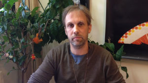 Sebastian Hielm arbetar med livsmedelssäkerhet vid Jord- och skogsbruksministeriet
