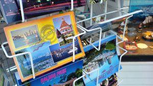 Postikortteja telineessä, San Diego