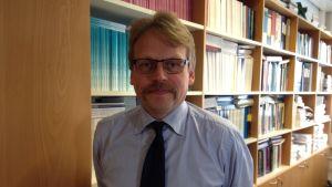 Rune Stenbacka är nationalekonom och forskningsprofessor vid Hanken i Helsingfors