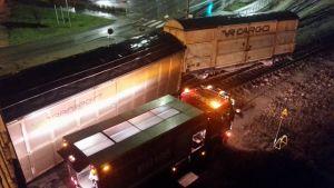 Godståg har spårat ur i Hangö.