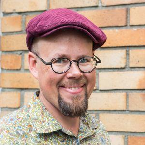 Kuvataiteilija Tero Annanolli