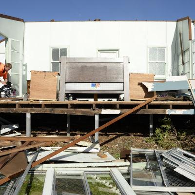 Stora materiella skador i Queensland i Australien efter cykloner.