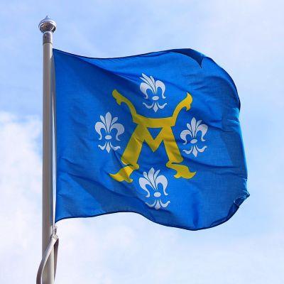 Åbo stadsvapen på en flagga.
