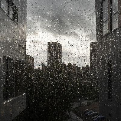 Märkä ikkunalasi