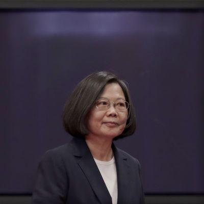 Taiwanin presidentti Tsai Ing-wen edustaa Demokraattista esityspuoluetta, joka on perinteisesti kannattanut Taiwanin itsenäistymistä.
