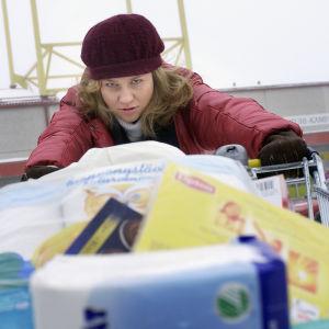 Maria Sid Kätevän emännän PMS-sketsissä 2004
