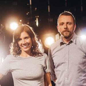 Peppe Öhman och Fred Forsell tävlar i På resande not