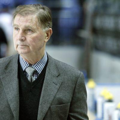 Viktor Tichonov har dött 2014.