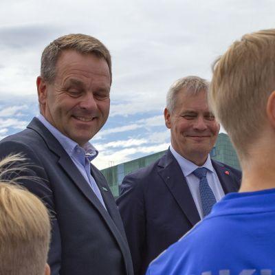 Jan Vapaavuori ja Antti Rinne Helsinki Cup avajaistilaisuudessa.