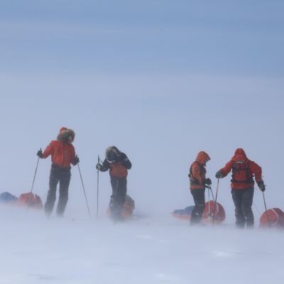 Arktinen retkikunta ylitti Grönlannin jäätikön.