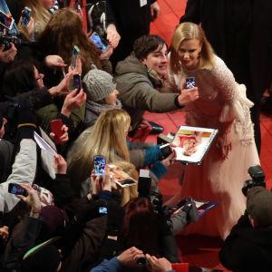 Den lyckliga selfiejägaren och Nicole Kidman