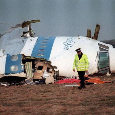 Valokuva Lockerbien lento-onnettomuuspaikalta joulukuussa 1988.