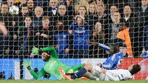 Demba Ba förde Chelsea till semifinal
