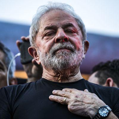 Lula da Silva talade inför tusentals anhängare i São Paulo efter beskedet om domen