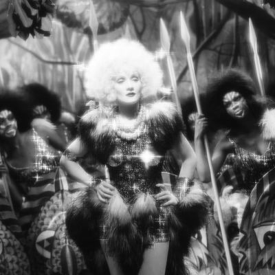Vaalea Venus, ohjaus Josef von Sternberg.