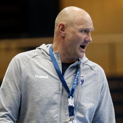 Ola Lindgren i EM-kvalmatch.