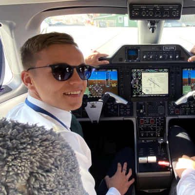 Liikennelentäjäopiskelijat Matti Huotari ja Nuutti Luukkonen, Suomen ilmailuopisto oy, Pori.