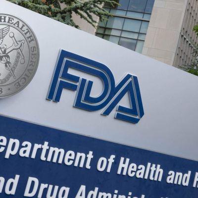 FDA: s skylt utanför läkemedelsverkets högkvarter i White Oak, Maryland. Bilden tagen i juli 2020.
