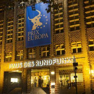 Prix Europan logo festivaalirakennuksen seinällä.
