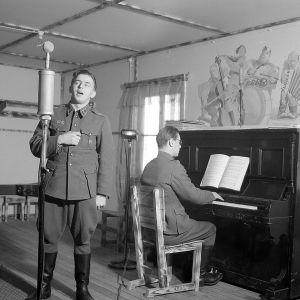 Olavi Virta Kannaksen radiossa 1944