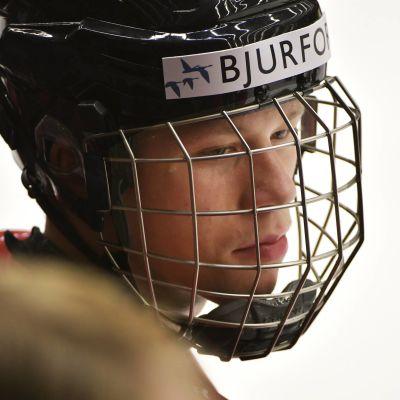 Lucas Raymond spelar klubblagshockey i Frölunda.