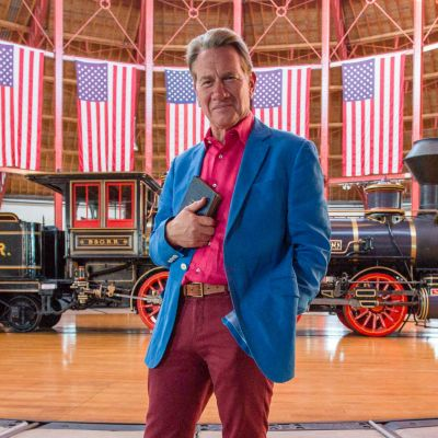 Brittiläinen maailmanmatkaaja Michael Portillo valloittaa uudessa sarjassaan Amerikan junalla reissaten.