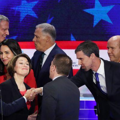 Demokrater under den första nomineringsdebatten.  Miami, Florida  26.6.2019