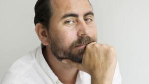 Författaren Philip Teir.