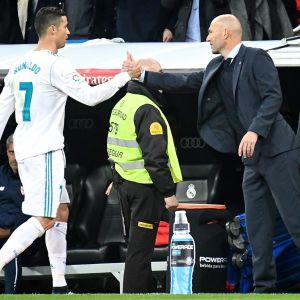Cristiano Ronaldo och Zinedine Zidane tackar varandra