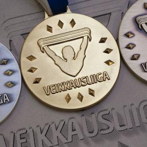 Medaljerna i fotbollsligan delas ut i oktober.
